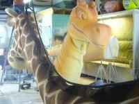 Travail en atelier. La girafe et le dinosaure.