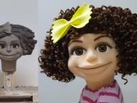 Marionnette en mousse taillée et sa maquette en plastiline