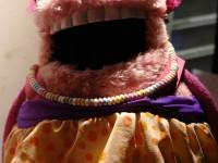 Lala enfant. Modification des marionnettes pour le tournage. Costumes Fabienne Touzi di Terzi.