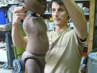 Assemblage de la marionnette avec Sébastien Puech