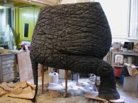 sculpture en mousse taillée souple. Les guignols de l'info