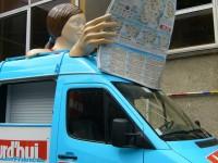 Sculptures en place sur le véhicule
