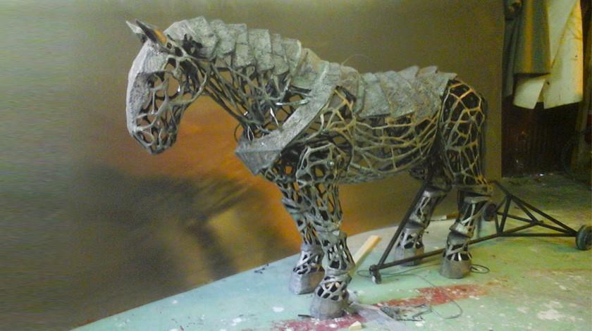 vignette-carole-allemand-cheval-marionnette-la-legende-du-roi-arthur