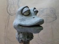 modelage en terre de la marionnette d'oya
