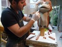 Laurent Huet, début de moulage de la marionnette